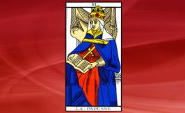 The Papess Tarot card: positive or negative?